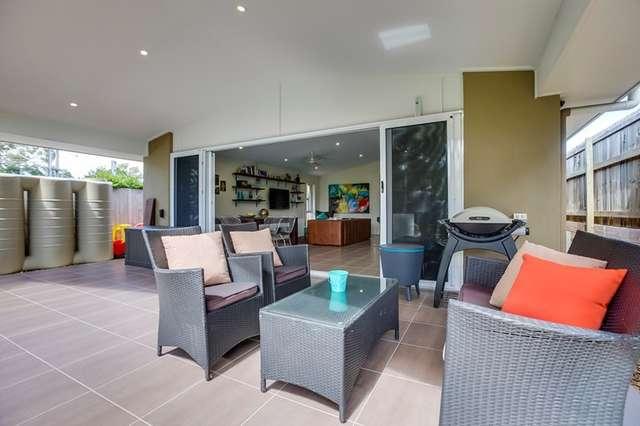 8 Ulagree Street, Wynnum West QLD 4178