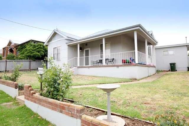 60 Commins  St, Junee NSW 2663