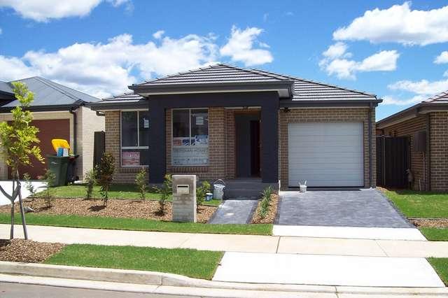 10 Protea Way, Jordan Springs NSW 2747