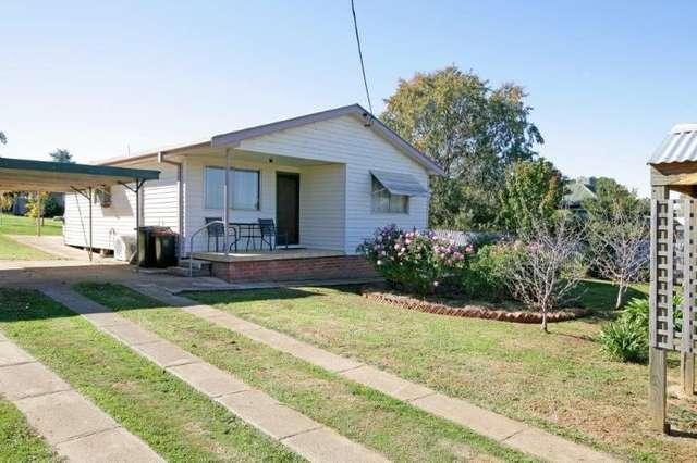 29 Hammond Street, Junee NSW 2663