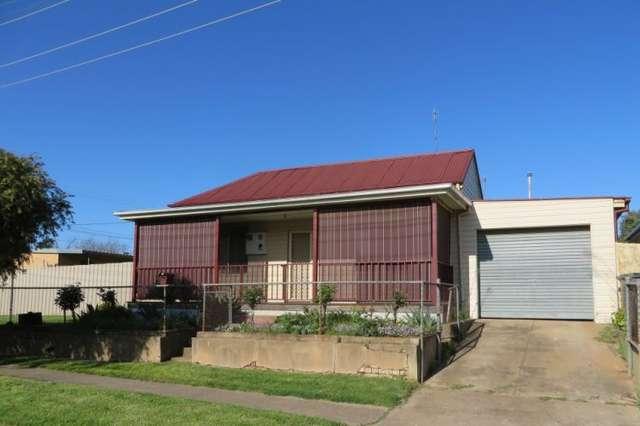 16 Ducker Street, Junee NSW 2663
