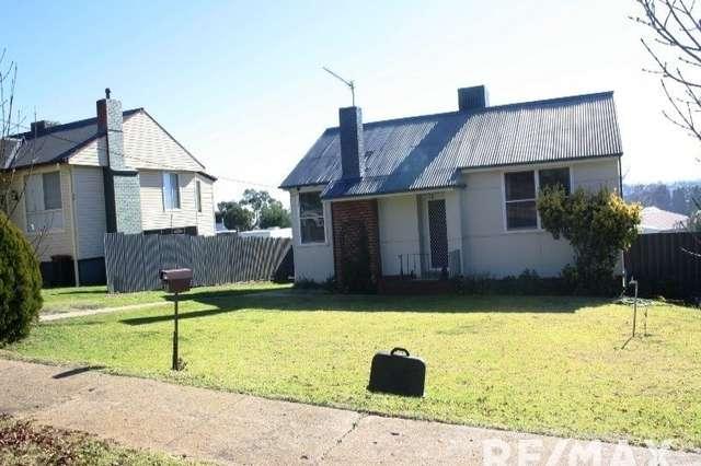 23 Anzac Avenue, Junee NSW 2663