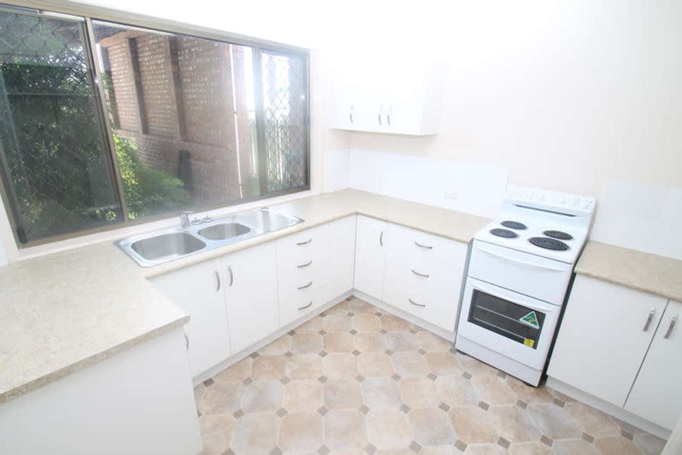 Main view of Homely unit listing, 10/15 Roberts Street, South Gladstone QLD 4680