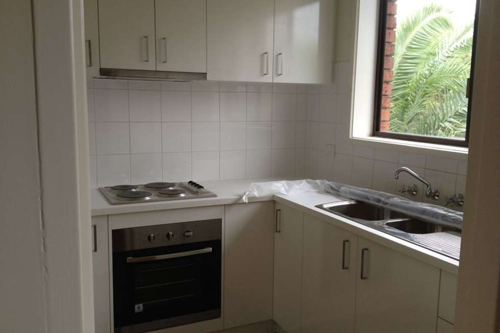 Third view of Homely apartment listing, 10/6 Moore Street, Coburg VIC 3058