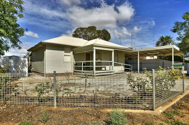 286 Sloane Street, Deniliquin NSW 2710