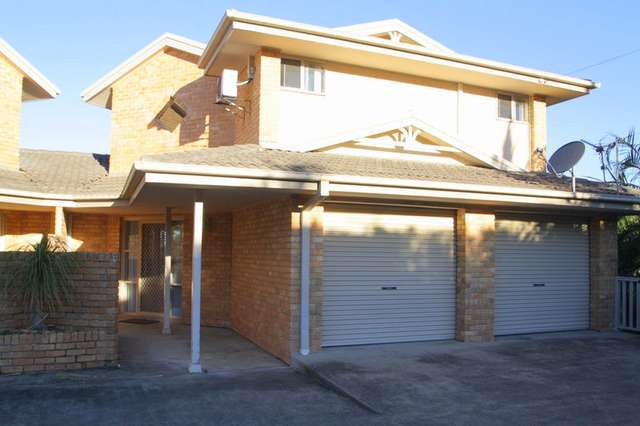2/4 Perry Drive