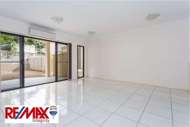 15B Houthem Street, Camp Hill QLD 4152