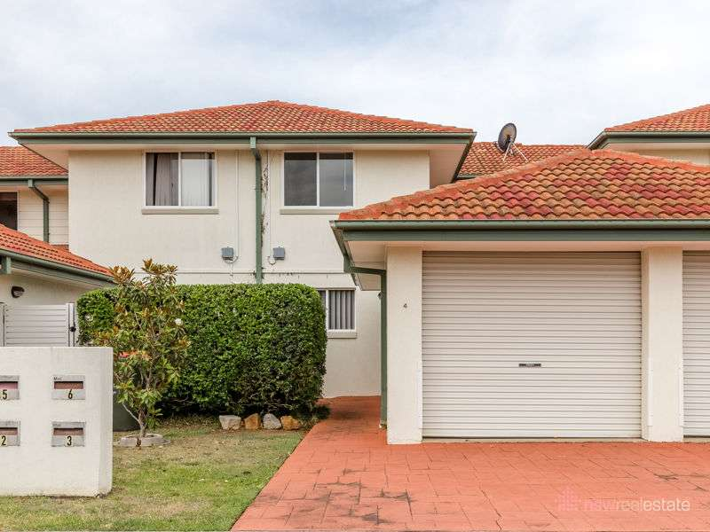 Main view of Homely townhouse listing, 4/2 Osprey Place, Korora, NSW 2450