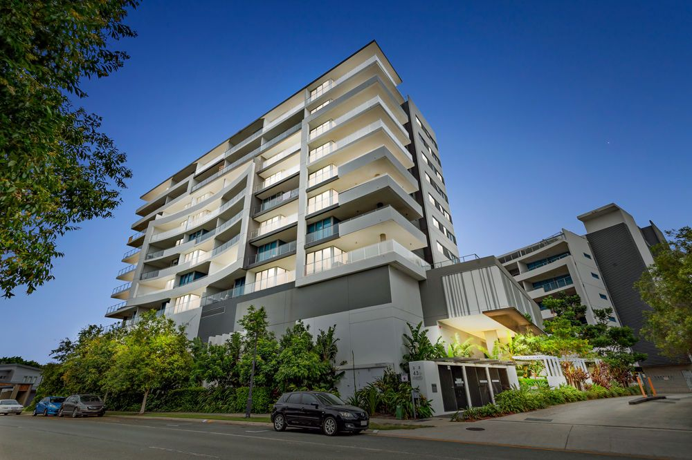 706/43 Harbour Town Drive