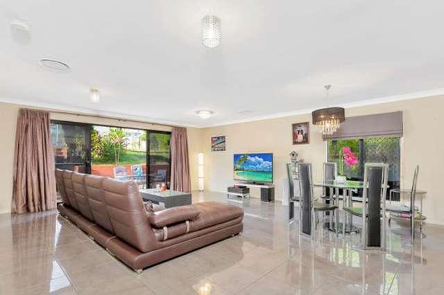 17 Coronation Rd, Hillcrest QLD 4118