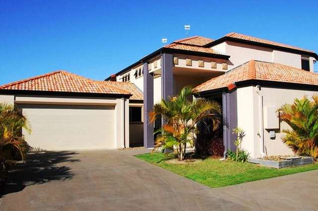 2/2 Barnstaple Street, Torquay QLD 4655