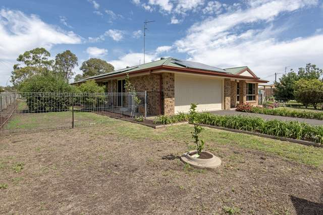10 Lucy Street, Cambooya QLD 4358