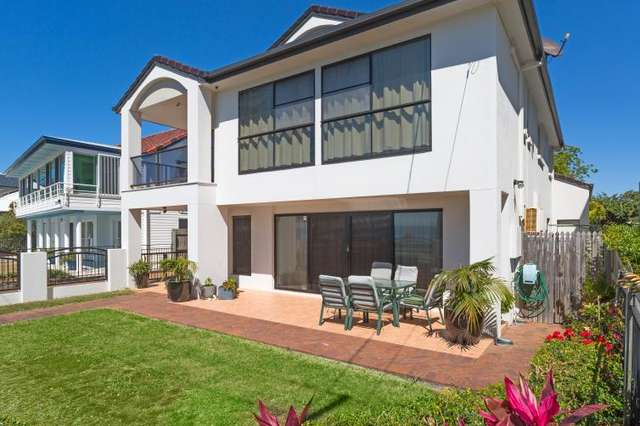 5 KENNEDY ESPLANADE, Scarborough QLD 4020