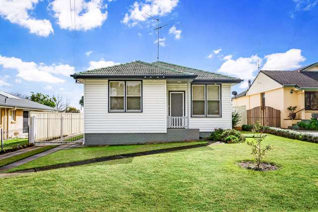 14 Robinson St, Riverstone NSW 2765