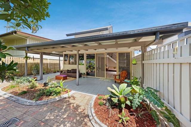 1/4 Vallely Street, Freshwater QLD 4870