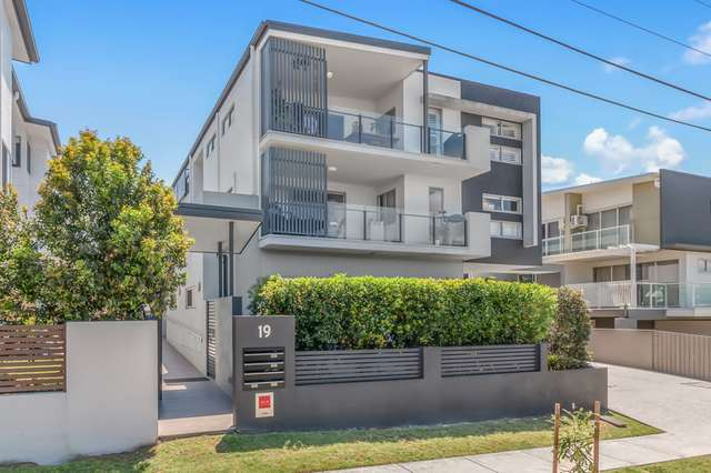 3 / 19 Pickwick Street, Cannon Hill QLD 4170