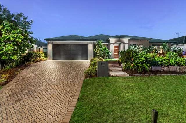 7 Rowland Avenue, Wakerley QLD 4154