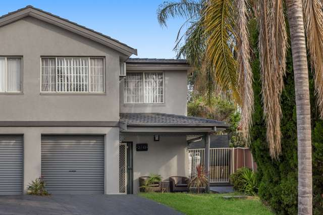 2/49 Diamontina Avenue, Kearns NSW 2558