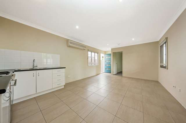 2/30 Wondall Rd, Manly West QLD 4179