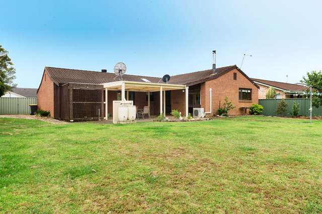 10 Cavalier Pde, Bomaderry NSW 2541