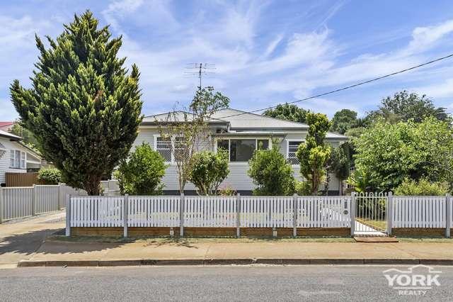 7b Helen Street, Newtown QLD 4350