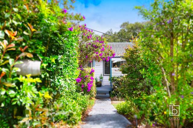 102 Lowanna Avenue, Forresters Beach NSW 2260