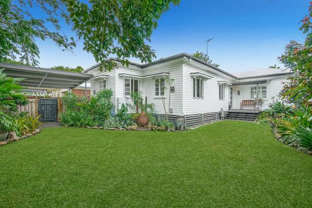 10 Crowther Street, Whitfield QLD 4870