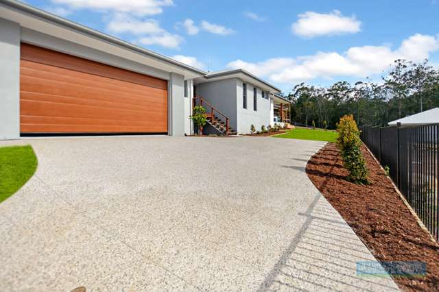 28 Outlook Rise, Mooloolah Valley QLD 4553