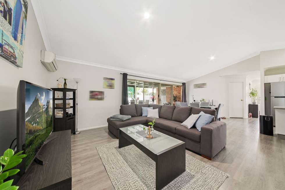Fourth view of Homely house listing, 2 Cinear Court, Regents Park QLD 4118