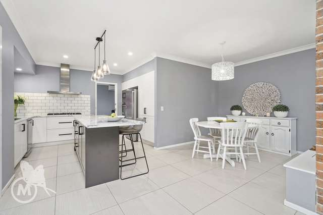 44 Ustinov Crescent, Mcdowall QLD 4053