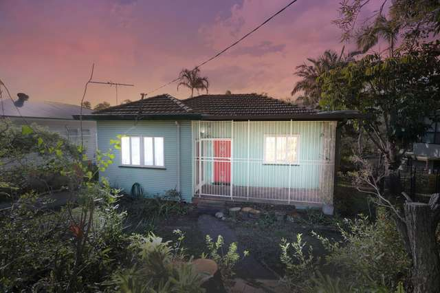 73 Mawson Street, Stafford Heights QLD 4053