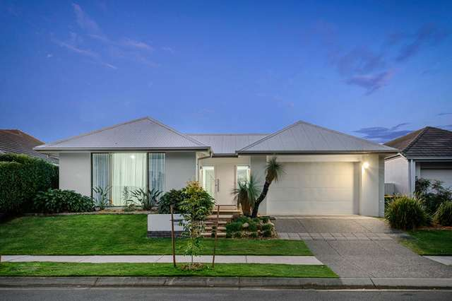 17 Mossvale Drive, Wakerley QLD 4154
