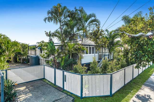 2 Gordon Parade, Manly QLD 4179