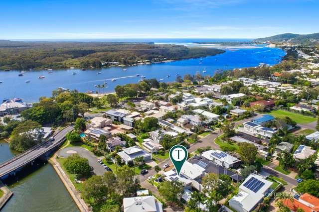 15 Laburnum Crescent, Noosaville QLD 4566