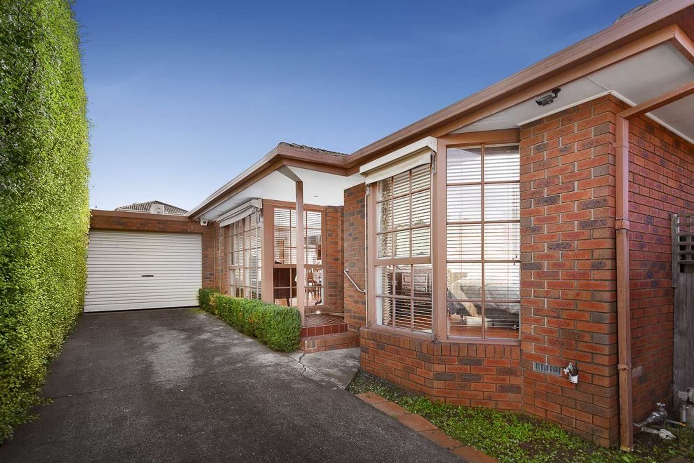 Main view of Homely unit listing, 2/34 Holyrood Avenue, Strathmore VIC 3041