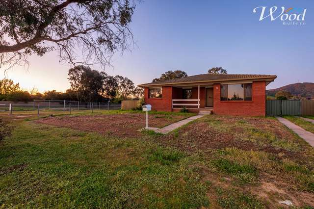 21 McMaster Ave, Lavington NSW 2641