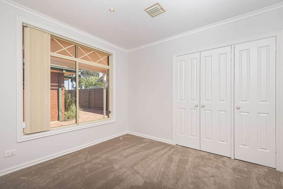 Fifth view of Homely unit listing, 2/40 Woodland Street, Strathmore VIC 3041