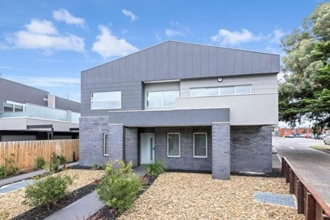 Main view of Homely townhouse listing, 2/2 Grandview Street, Glenroy VIC 3046