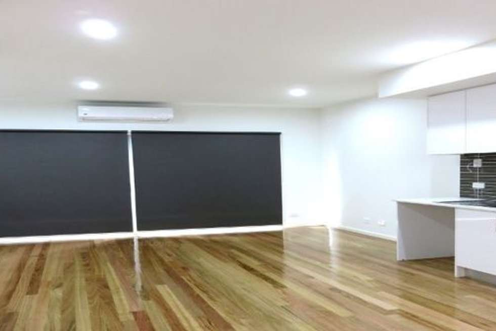 Third view of Homely townhouse listing, 2/2 Grandview Street, Glenroy VIC 3046