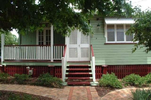 4 Lydwin Crescent, East Toowoomba QLD 4350