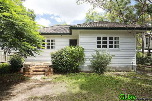 821 Cavendish Road, Holland Park QLD 4121