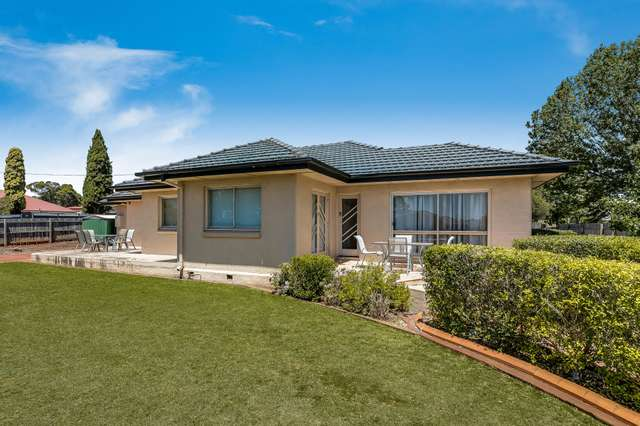 301-303 West Street, Harristown QLD 4350