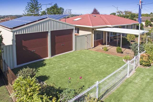 18 Robyn Street, Centenary Heights QLD 4350