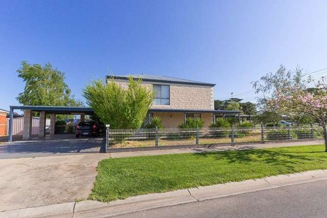 2 Greenaway Court, Sale VIC 3850