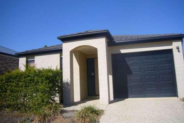 11 Mapleton Crescent, Forest Lake QLD 4078