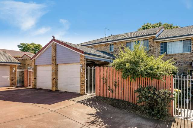 4/9 Danica Court, Kearneys Spring QLD 4350
