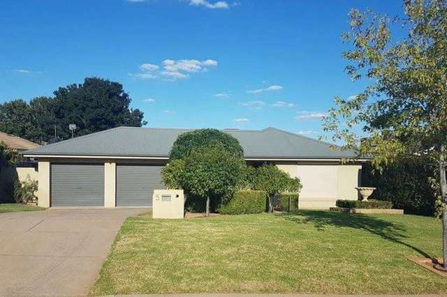 5 Willang Crescent, Glenfield Park NSW 2650