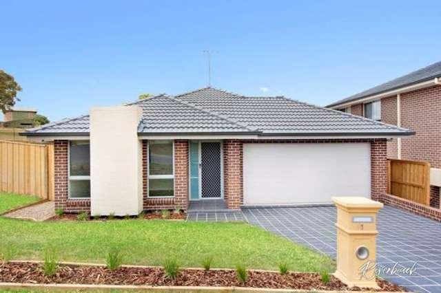 1 Jarvisfield Place, Macquarie Links NSW 2565