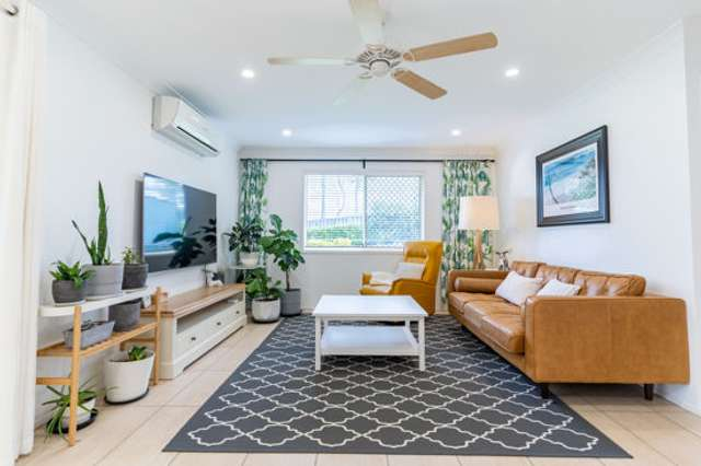 10 midway terrace, Pacific Pines QLD 4211