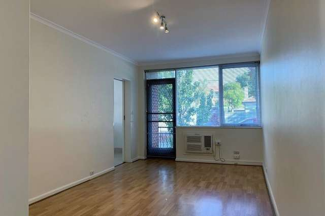 2/2A Frogmore Road, Carnegie VIC 3163